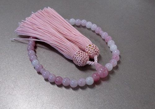 ☆女性用片手念珠 ハリ紅水晶7�o玉共仕立 人絹頭房(ピンク)