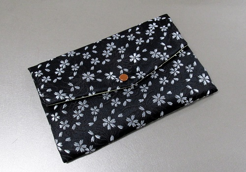☆西陣織 高級金襴 マスクケース 桜 黒 日本製