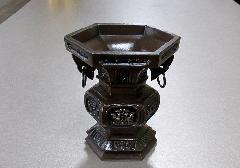 ●花瓶・花立 六角菖蒲型 花立 3.5寸 一対入