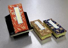 ■過去帳・見台セット 鳥の子過去帳3.5寸、木製低見台3.0寸押え付