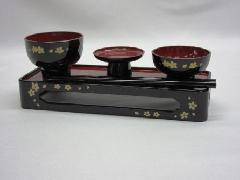 ◇PC 略式仏膳 7.5寸 黒内朱  蒔絵 桜