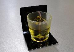 ■ウィスキーロックキャンドル 故人の好物ローソク 【カメヤマ】