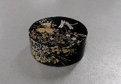 ■香合 木粉樹脂製 加賀高蒔絵香合 トンボ蒔絵