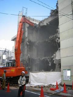 東京都八王子市 3階建ての病院 解体工事