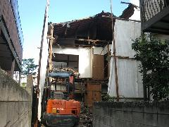 東京中野区 新築の建て直しのための住宅解体