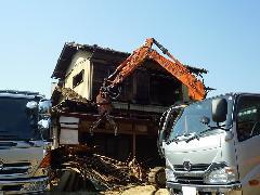 志木市 敷地面積200坪の解体工事(住宅建物)