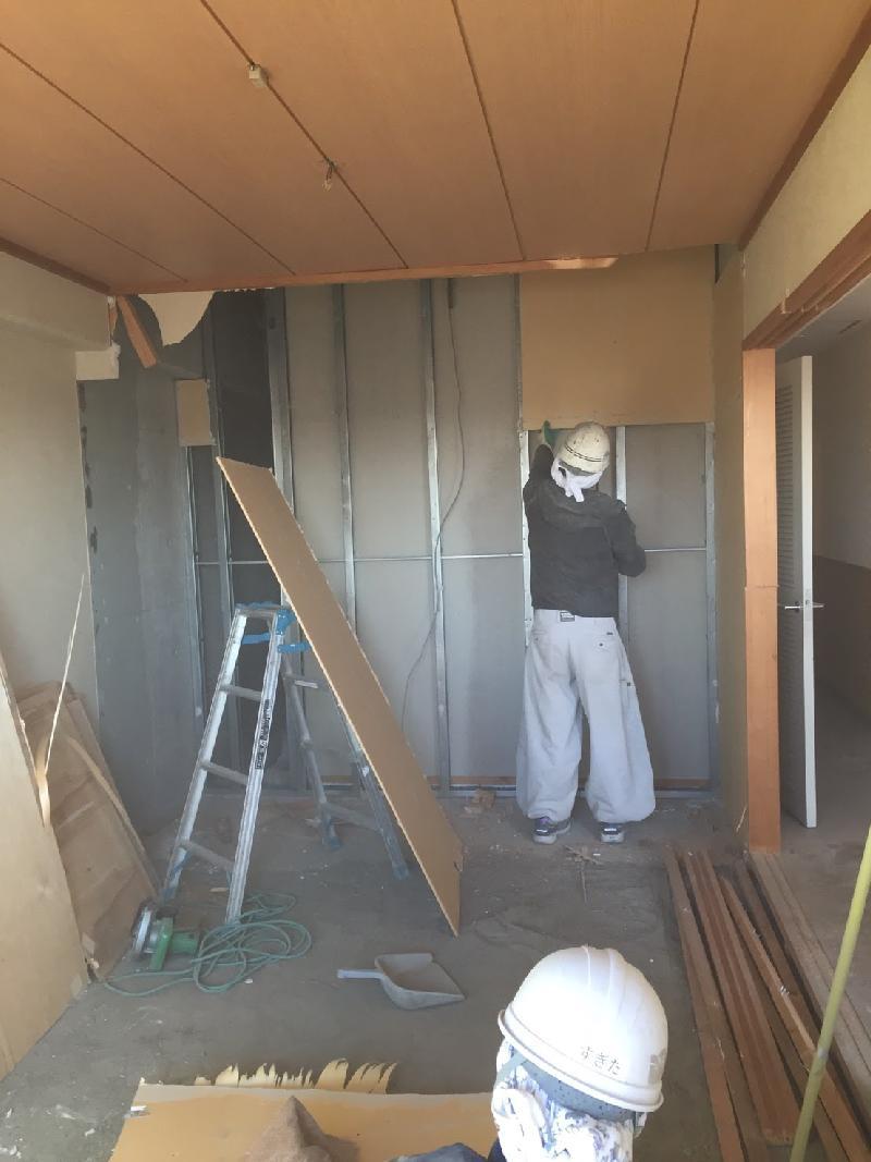 マンションの内装解体工事を行いました。