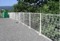 駐車場のフェンス設置工事