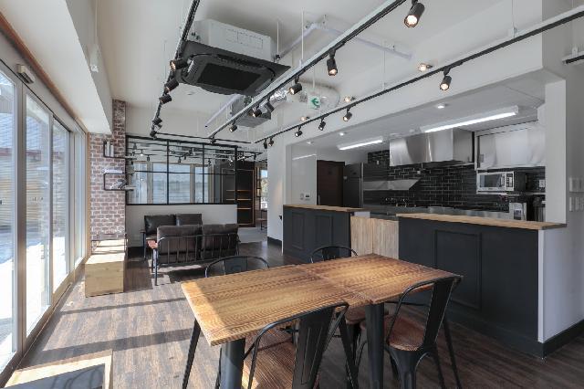 八王子にある障害者支援施設に併設されているカフェと陶芸教室です。