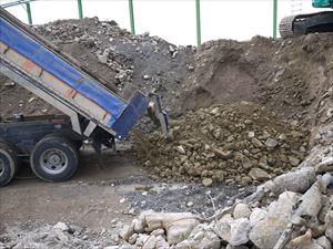混合廃棄物とコンクリート廃材(ガラ)同じ敷地内で処分可能です。