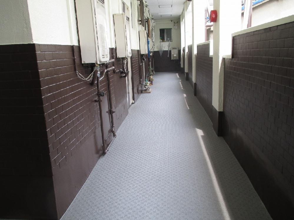 共有部分廊下の塗替え