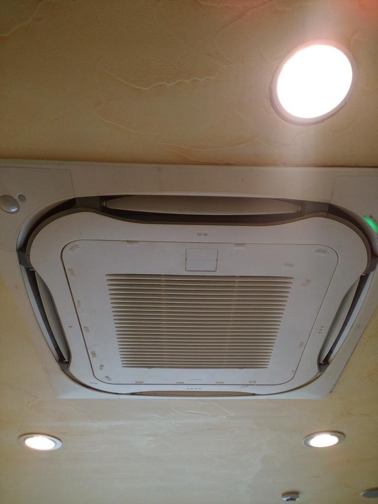 岸和田市下松町 業務用エアコンクリーニング