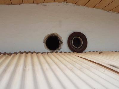 2階天井裏換気口