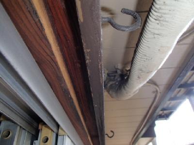 冷媒管挿入箇所の隙間