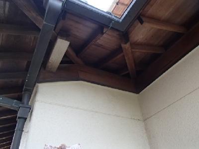 軒桁と垂木の隙間 1