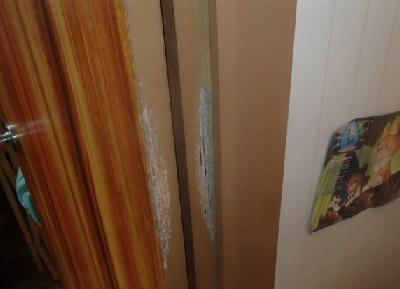 ドア枠材に喰害