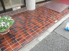 東京都品川区のオフィスビルのエントランス石工事