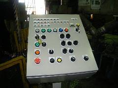 工場操作盤