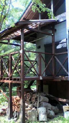 軽井沢 テラスの木部塗装