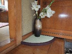 コーナー置き 花瓶敷き