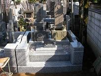 改修後の墓地