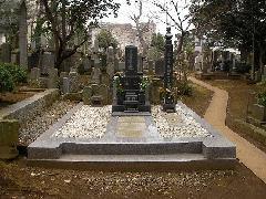 真間山弘法寺墓地(市川市)の古石塔が多い墓地の改修工事