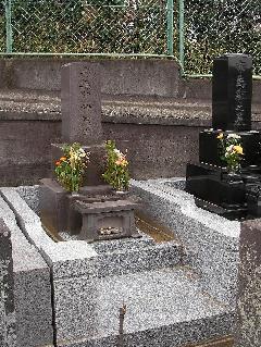 即随寺(市川市)境内墓地における墓相型和型石塔の施工事例