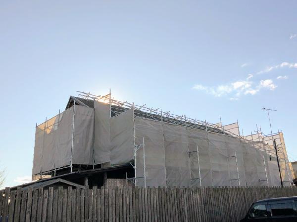 戸建て 屋根足場