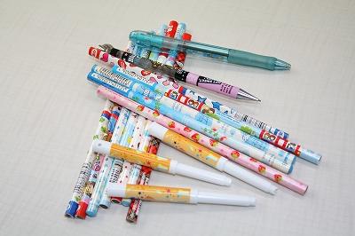 キャラクター鉛筆、ボールペン等