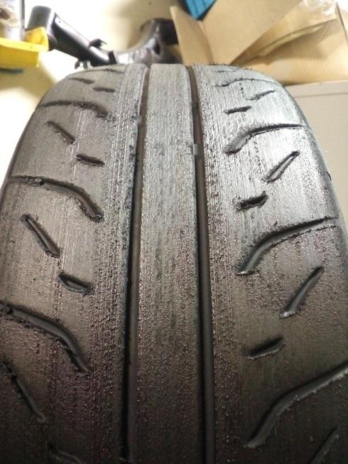 タイヤ削り。