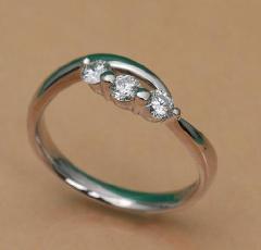 ダイヤデザインリング