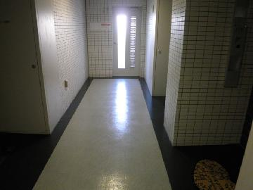 マンション等の廊下清掃