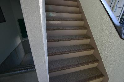 マンション階段補修後
