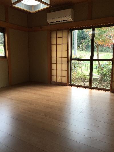 施工後の洋室