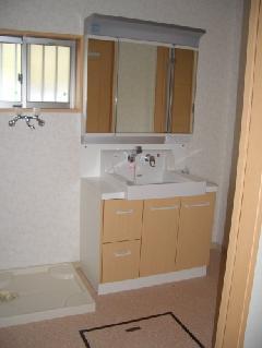 内装工事「洗面室(システム洗面化粧台)への入れ替え」