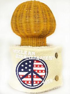 サイドボタン付き 裏地ボア ニットネックウォーマー(アメリカンPEACEマークプリント アイボリー) WNBSA019R-21
