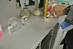アルカリイオン電解水使用によるオフィス備品什器の清掃 ・除菌作業