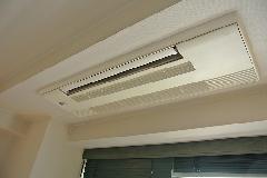 東京都台東区 ホテル空調室内機 強アルカリイオン水を使用したエアコンパーツの洗浄