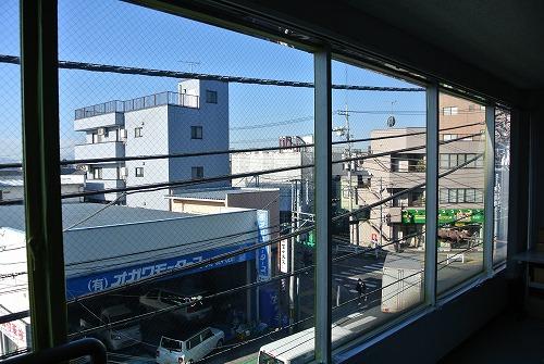 都内オフィスビル窓ガラスへの遮熱コーティング施工