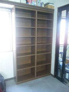 シンプルな本棚
