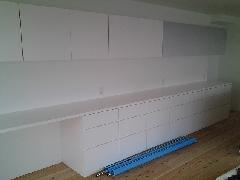 引き出し式食器棚