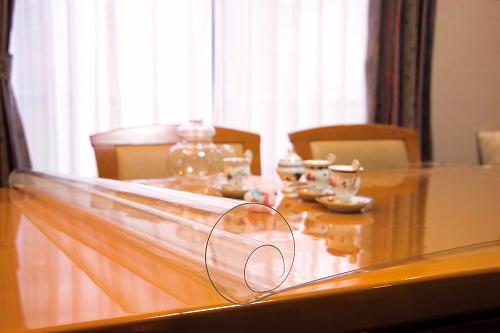 透明テーブルマット(1m/m)定型サイズ約900×約10m巻