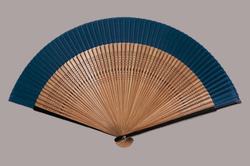 60間高級絹貼扇子 7.5寸 60間 親塗 唐木中彫 大短地(紺)