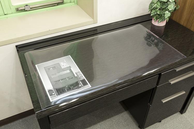 トーメイ非転写デスクマット 550×900mm 1.5mm厚 非転写配合品