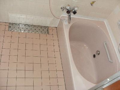 大きな浴槽になりました