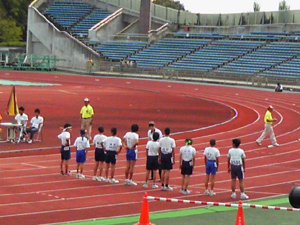 800mを2分38秒で走り、予選を通過しました。