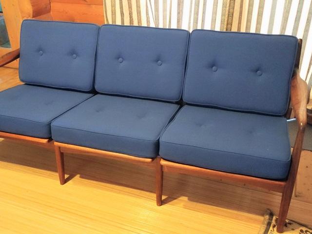 3人掛けソファ張り替え カバークッション置きタイプ ウレタン交換 カバー製作