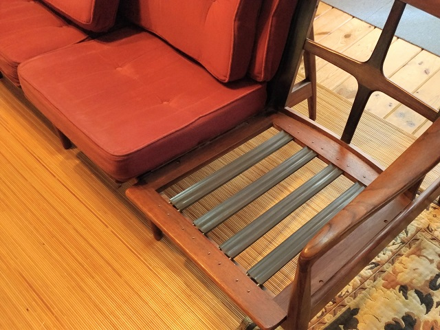岩槻市 3人掛けソファ張り替え カバークッション置きタイプ ウレタン交換 カバー製作