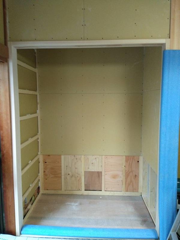 I邸 1F和室の収納 作業途中