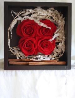 商品名:赤バラ4輪 壁掛け